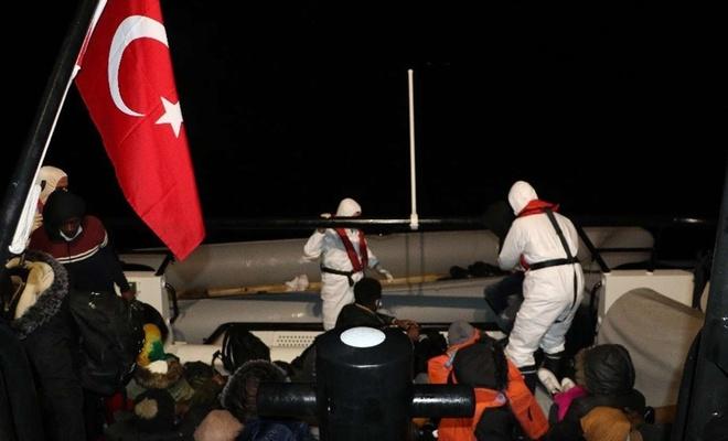 Türkiye Karasularına itilen 105 düzensiz göçmen kurtarıldı
