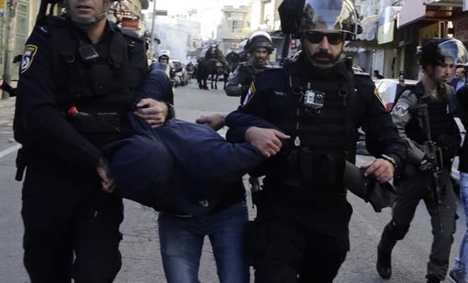 İşgal rejimi israil 12 Filistinliyi alıkoydu