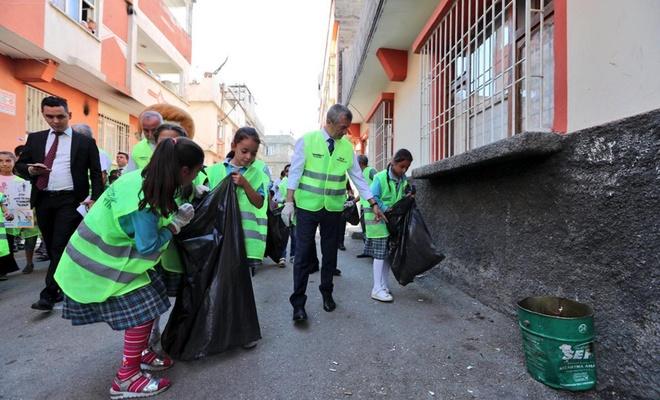"""""""Çevre temizliğine gerekli hassasiyeti göstermeliyiz"""""""