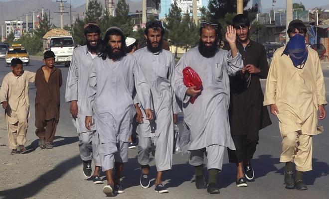 Afganistan'da 317 Taliban mahkumu daha serbest bırakıldı