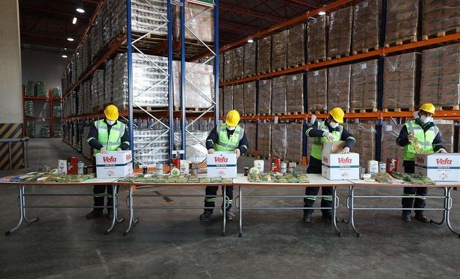 İstanbul Valiliğinden 150 bin gıda kolisi yardımı