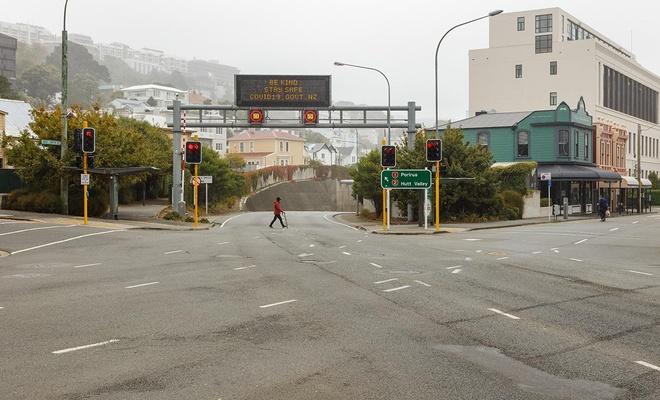 Yeni Zelanda'da Kovid-19 yasakları uzatıldı