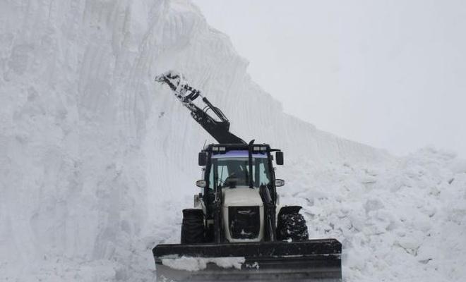 Muş`ta kar kalınlığı 10 metreye ulaştı