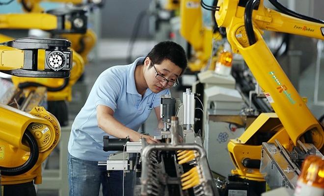 Çin'de sanayi üretimi düştü!