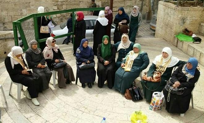 6  Kudüslü kadına Mescid-i Aksa`dan uzaklaştırma cezası verdiler