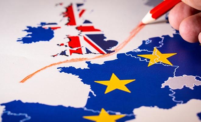 Moody's: İngiltere'de anlaşmasız Brexit riski arttı!