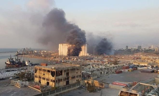 """Lübnan gazeteleri """"Beyrut'un acı gününü"""" manşetlere taşıdı"""
