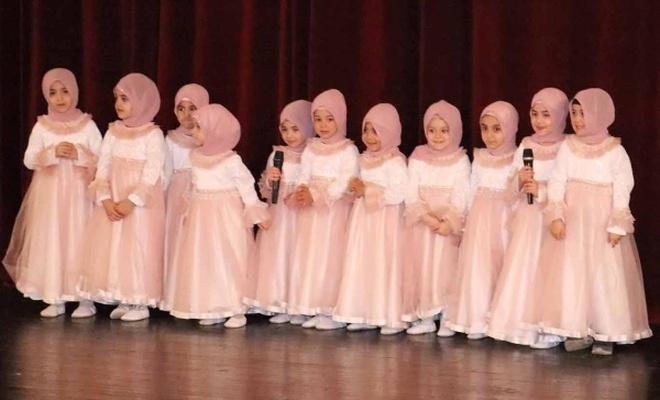 Kur`an`ı öğrenen miniklere diplomaları verildi