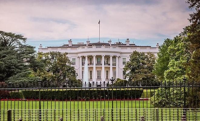 ABD`de daha fazla gazeteci Beyaz Saray`a giremeyebilir