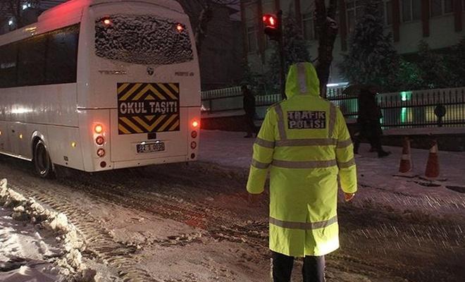 Etkili olan kar yağışı nedeniyle okullar tatil edildi