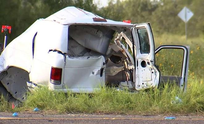 ABD'de göçmenleri taşıyan araç kaza yaptı: 10 ölü 20 yaralı