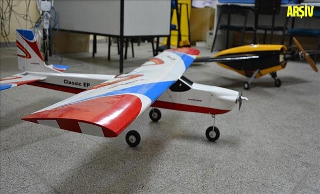 Liseli gençler TEKNOFEST için model uçak tasarlıyor