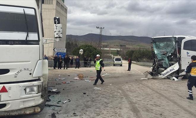 Amasya'da feci kaza! Yaralılar var