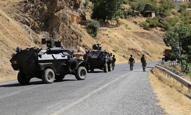 Hakkari`de 2 PKK`li öldürüldü, bir kadın cesedi bulundu