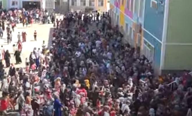Diyarbakır'da koronaya rağmen açılan okullar SOS veriyor
