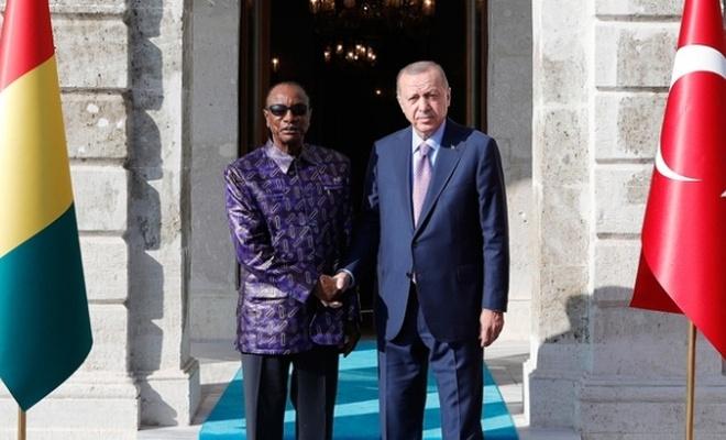 Erdoğan Gine Cumhurbaşkanı ile görüştü