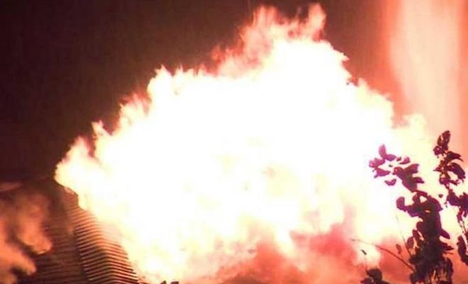 Aksaray`da yangın: 30 kişi dumandan etkilendi