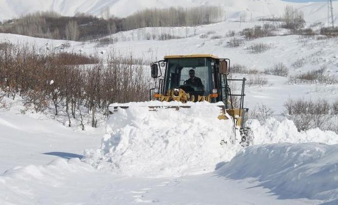 Muş`ta 50 köy yolu ulaşıma kapandı