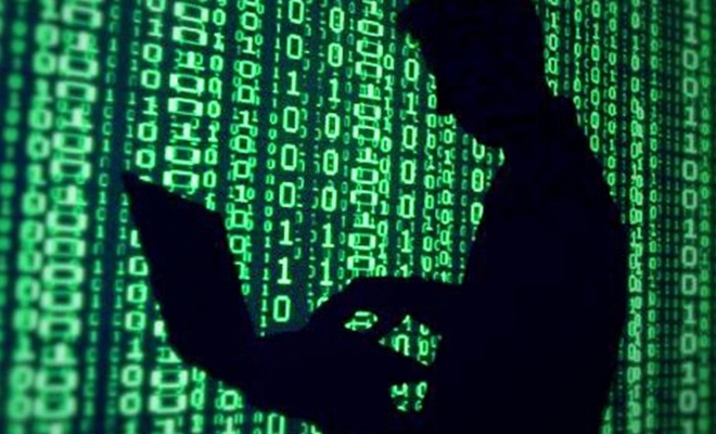 Evden çalışacak personeller dijital virüslere de karşı önlem almalı