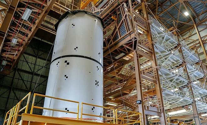 NASA, Ay seferlerinde kullanacağı roket motorunu test etti