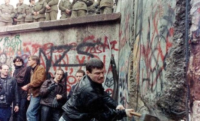 `Utanç duvarı` 29 yıl önce yıkıldı
