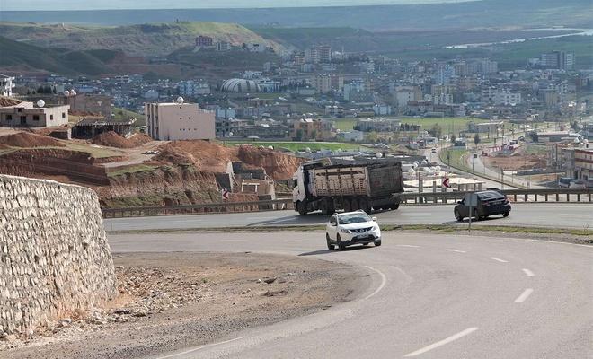 Sürücüler kazaya neden olan yolun onarılmasını istiyor
