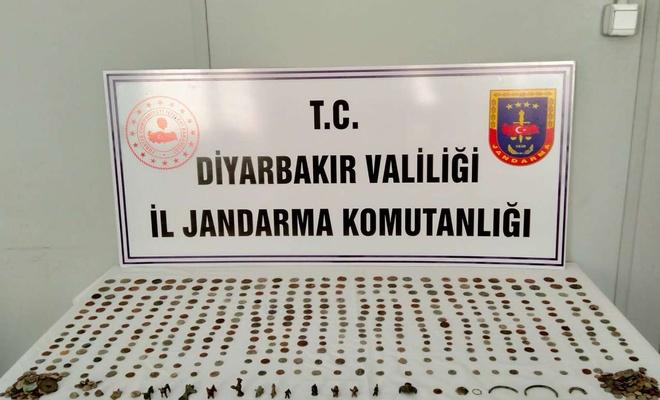 Diyarbakır'da 400 bin TL değerinde tarihi eser satmaya çalışanlar yakalandı