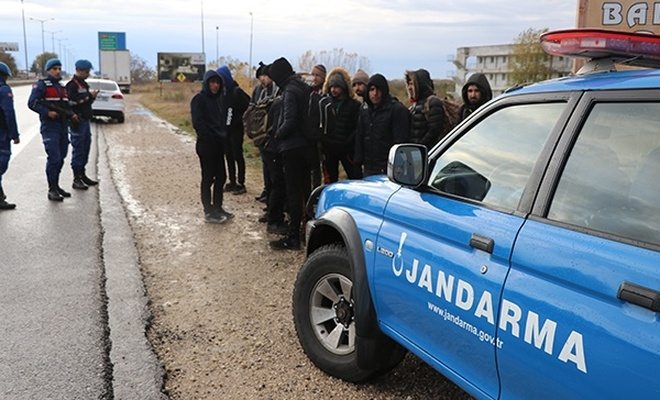Edirne`de 14 düzensiz göçmen yakalandı