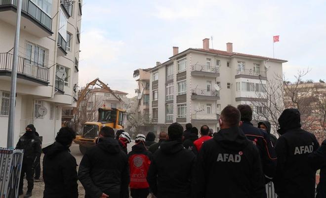 Ankara'da çökme tehlikesi olan 21 bina boşaltıldı