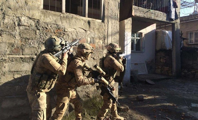 Kars'ta PKK operasyonu: 5 gözaltı