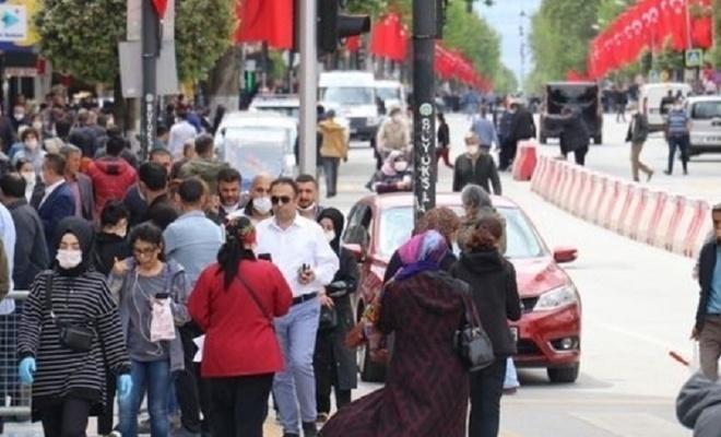 Vali uyardı: Şehrimizde her gün 100 kişi koronaya yakalanıyor