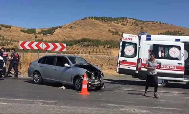 Gaziantep'te otomobil ve minibüs çarpıştı: 5 yaralı