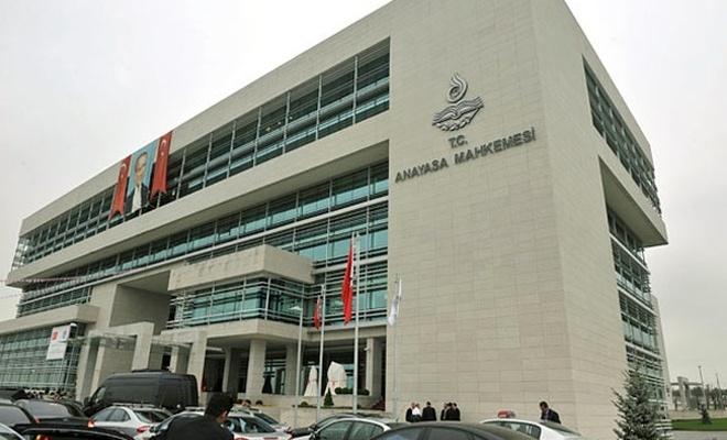 CHP, 26 KHK`yı Anayasa Mahkemesi`ne götürüyor