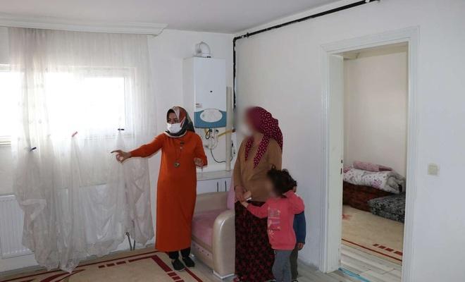 Sokakta kalan kadın ve çocukları eve yerleştirildi