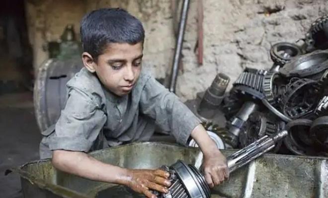 """Hak-İş'ten """"çocuk işçiliği ile mücadele"""" açıklaması"""