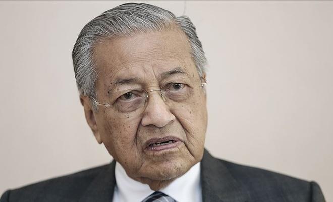 Malezya Başbakanı Mahathir görevini devredecek