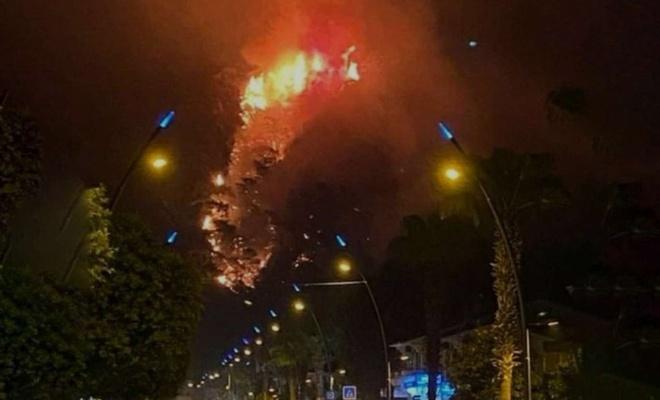 Bodrum'daki orman yangını yerleşim yerlerine yaklaştı: İki mahalle tahliye edildi