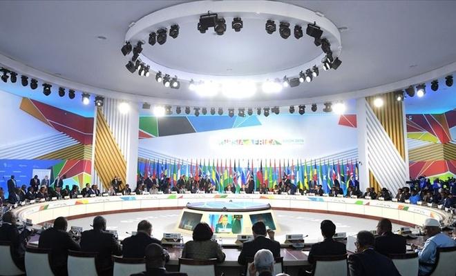 Afrika'nın bir numaralı silah tedarikçisi: Rusya