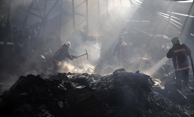 Madeni yağ fabrikasında yangın çıktı