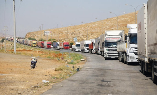 Türkiye'den Irak'a  tır sevkiyatı sürüyor