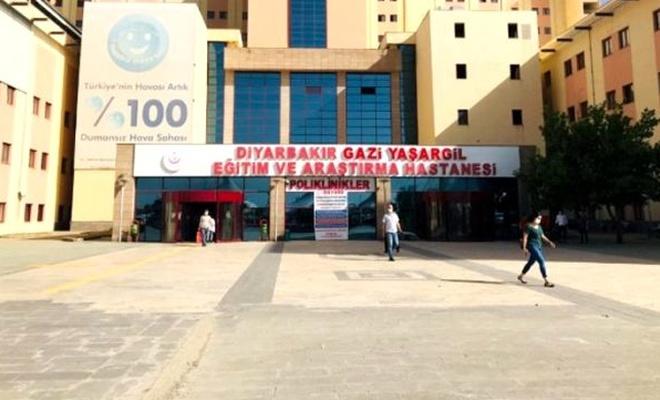 Diyarbakır'da eve çağırdığı berberden koronavirüs kaptığı iddia edilen şahıs öldü