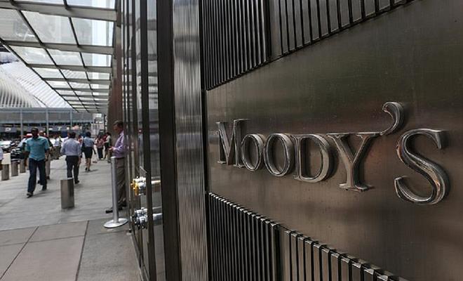 Moody`s İngiltere`yi uyardı!