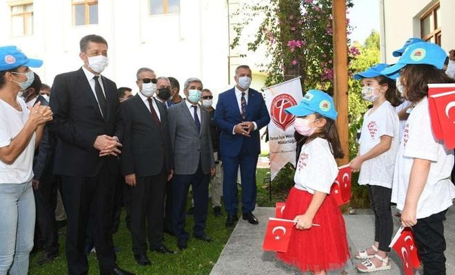 Milli Eğitim Bakanı Selçuk Mersin'de öğrenciler bir araya geldi