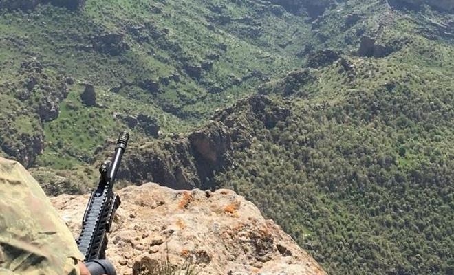 Hakkari`de 2 PKK`li öldürüldü