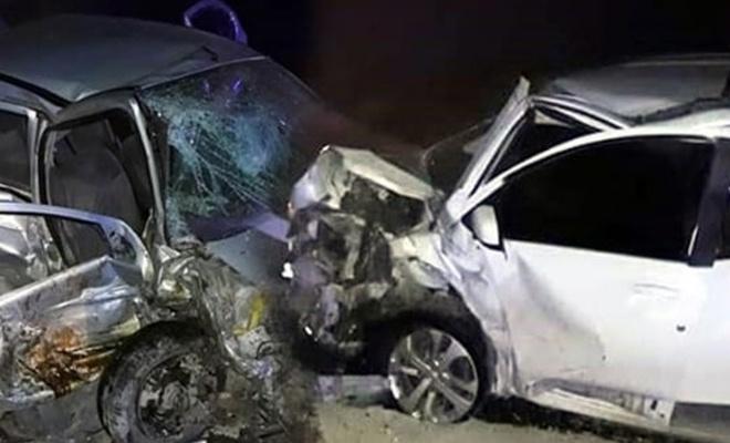 4 araç birbirine girdi: 2 ölü, 8 yaralı