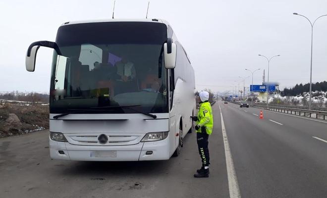 Şehirlerarası yolcu taşıyan 351 otobüs denetimler sonucu trafikten men edildi