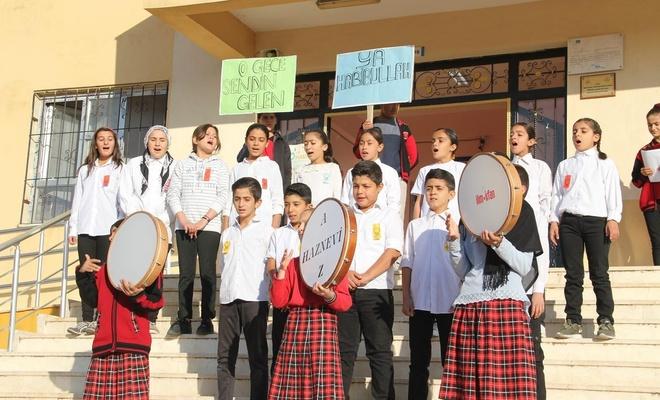 Ortaokul öğrencilerinden Mevlid-i Nebi Etkinliği ve yürüyüş