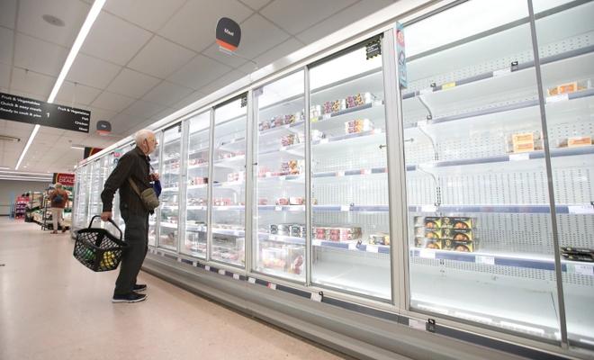 İngiltere'de benzin istasyonları kapanıyor, marketler boş kalıyor, Peki neden