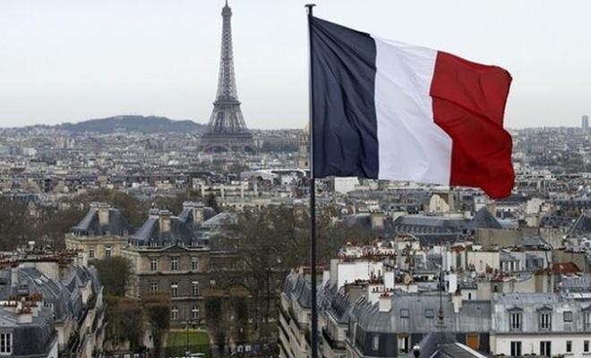 Fransa tutuştu!