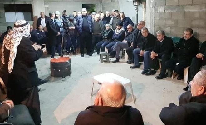 Filistinliler 3 evin yıkılmasını önlemek için toplandı